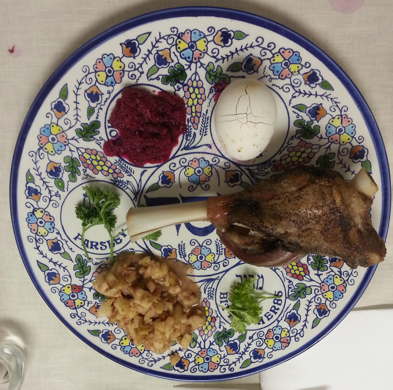Filled seder plate